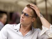 Brad Pitt au café