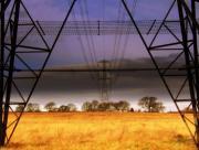 Pylones sur champ