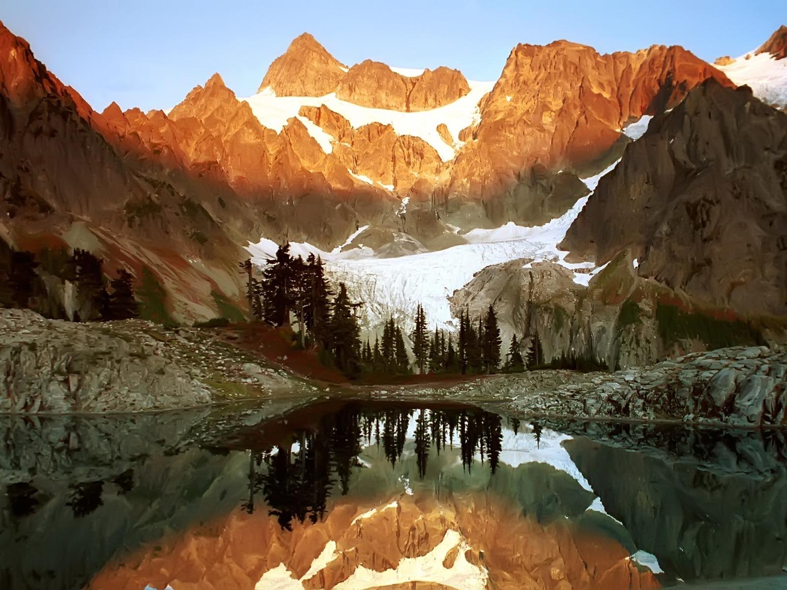 Fond d 39 ecran lac en montagne enneig e wallpaper for Fond ecran montagne