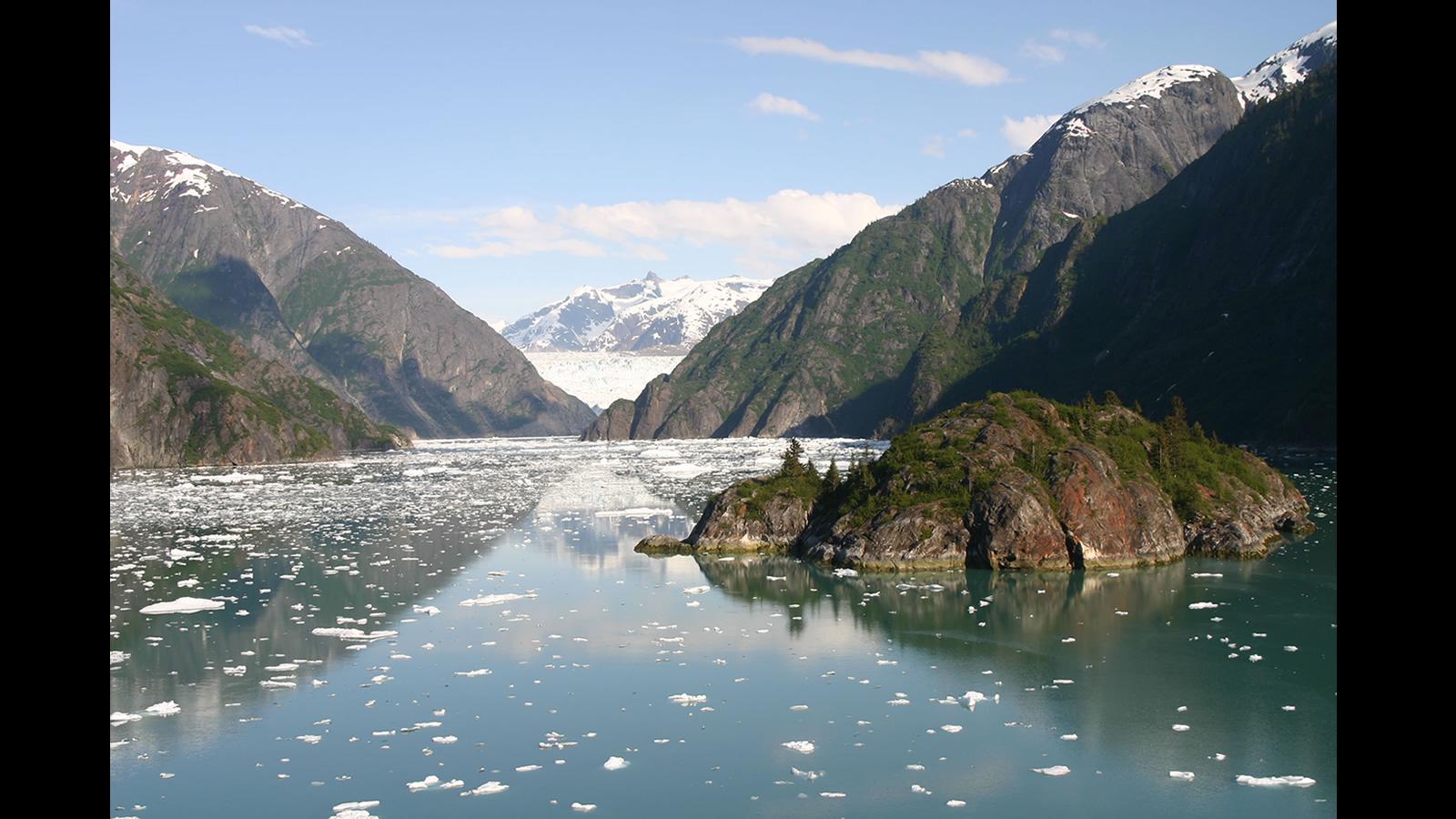 Fond d 39 ecran paysage montagne wallpaper for Photo fond ecran paysage