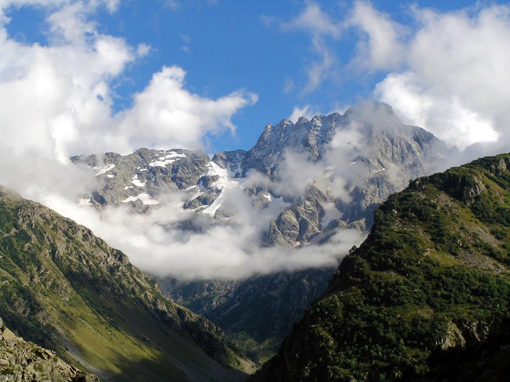 Fond d 39 ecran paysage montagne wallpaper for Fond ecran montagne