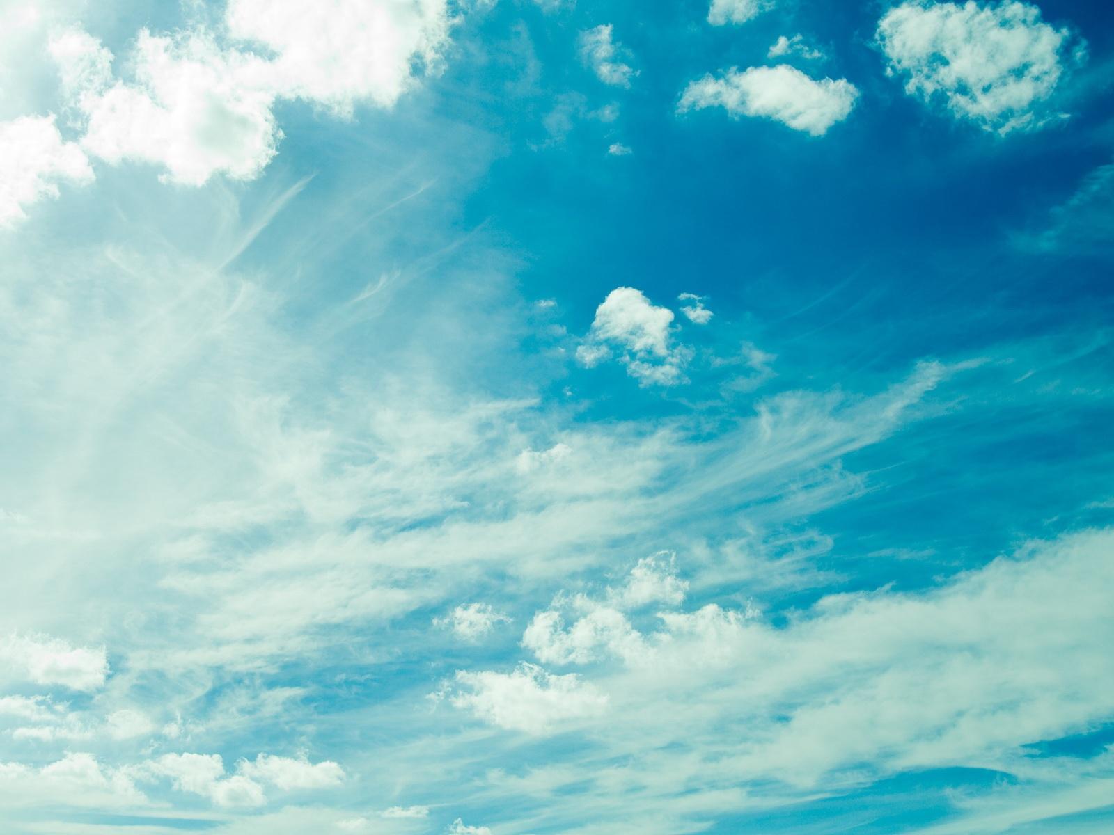 Fond d'ecran Nuages dans le ciel - Wallpaper