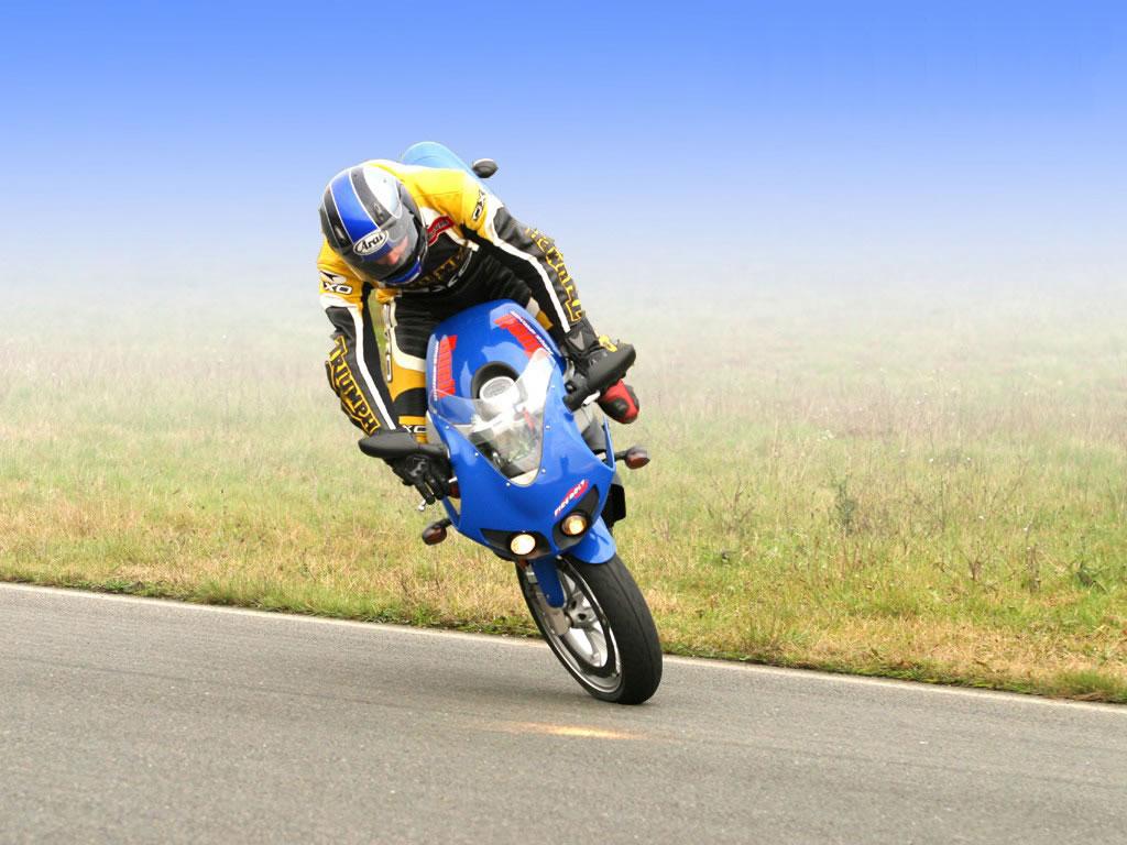 Fond d 39 ecran moto de sport gratuitement 1087 wallpaper - Image moto sportive ...