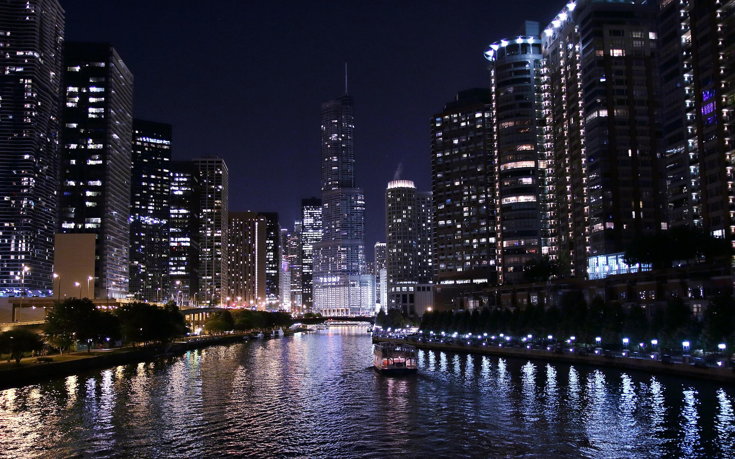 Fond d'ecran River by night - Wallpaper