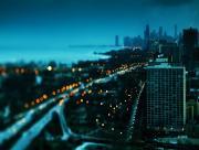Ville tombée de la nuit