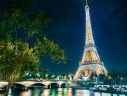 Paris Tour Eiffel illuminée